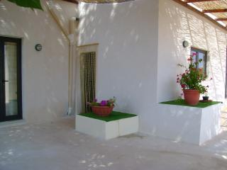 Nice Villa in Ostuni with Towels Provided, sleeps 4 - Ostuni vacation rentals