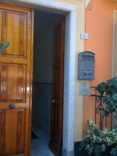 Charming Condo with Washing Machine and Balcony - Levanto vacation rentals