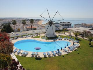 Lovely 2 bedroom apt Windmill- sea view/FREE Wi-Fi - Albufeira vacation rentals