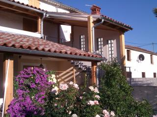 B&B DOMUS OLEANDER / CAMERA CIOCCOLATO - Liznjan vacation rentals