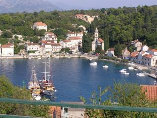 APARTMENT FLOWER WITH BEAUTIFUL VIEW - Southern Dalmatia Islands vacation rentals