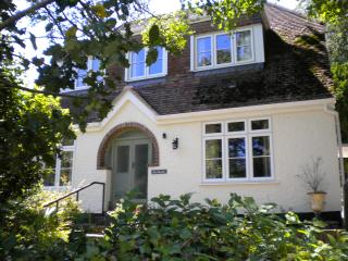 Beautiful Cottage with Internet Access and Outdoor Dining Area - Budleigh Salterton vacation rentals