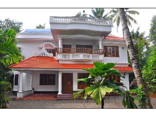 "River View ""Your Home Away From Home"" - Nedumbassery vacation rentals"