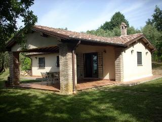 Comfortable 1 bedroom Cottage in Penna in Teverina with Internet Access - Penna in Teverina vacation rentals