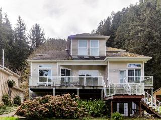 The River's Edge Mini Suite - Reedsport vacation rentals