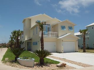 Fabulous 5 bed 4 1/2 bath w/ elevator,beach access Banyan Beach! - Port Aransas vacation rentals