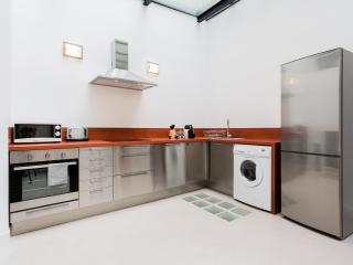 Comfortable Condo with Internet Access and Dishwasher - Aix-en-Provence vacation rentals