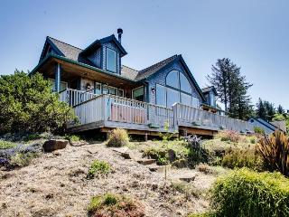 Beach lodge with ocean views & a private hot tub! - Neskowin vacation rentals