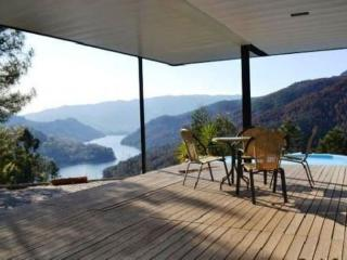 Sunny 2 bedroom House in Geres - Geres vacation rentals