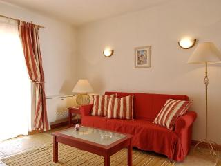 Giddah Red Apartment, Albufeira, Algarve - Olhos de Agua vacation rentals