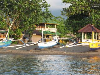 Lovina Dream. Beach and Pool Villa. - Lovina vacation rentals
