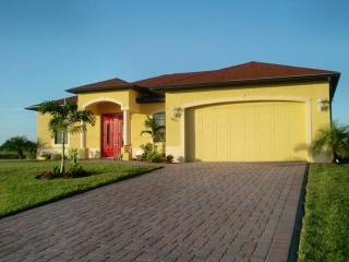 4 bedroom House with Deck in Lehigh Acres - Lehigh Acres vacation rentals
