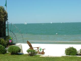 House in Seafront - Ile de Re vacation rentals