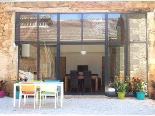 Gite Regrunel - La Petite Grange - Fumel vacation rentals