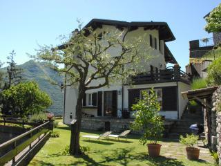 Il Pulcino di Maria - vacanze sul Lago di Como - Moltrasio vacation rentals
