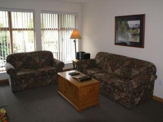 Stoney Creek Northstar 2 - Great location, pool & hot tub access, free wifi - Whistler vacation rentals