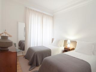 Flattered to be in Lisboa - Lisbon vacation rentals