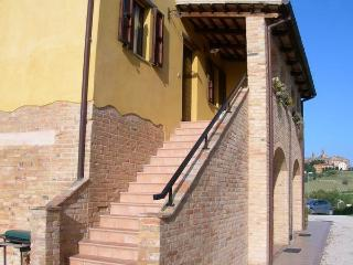 Beautiful Farmhouse Barn with Satellite Or Cable TV and Central Heating - Cossignano vacation rentals
