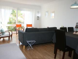 House 6/9 guests heart La Rochelle 300m seafront - La Rochelle vacation rentals