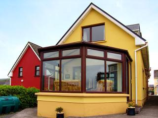 Gorgeous 3 bedroom House in Dingle with Parking Space - Dingle vacation rentals