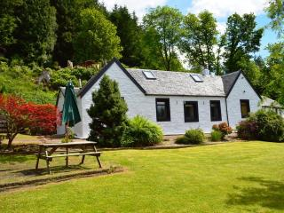 3 bedroom Cottage with Internet Access in Kilmun - Kilmun vacation rentals