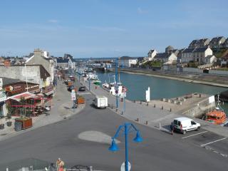 VUE SUR MER - Port-en-Bessin-Huppain vacation rentals