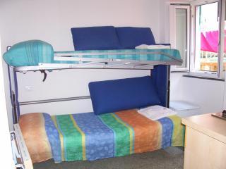 BEDROOMRIO - A LITTLE BEDROOM CLOSE TO THE SEA - Riomaggiore vacation rentals
