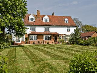 Ashleigh House HOT TUB & SNOOKER sleeps 25 - Henley in Arden vacation rentals