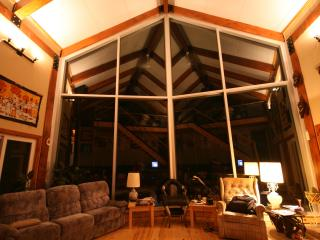 Enormous cottage sleeps 15 on a pristine lake - Plevna vacation rentals