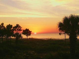 Hilton Head Beach Villa 3 - 3 Bedroom 3 Bathroom Oceanfront Townhome - Hilton Head vacation rentals