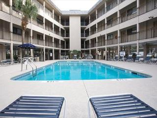 Seaside Villa 126 - 1 Bedroom 1 Bathroom Direct Oceanfront Flat Hilton Head - Hilton Head vacation rentals