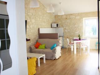 Chez WAUCQUIER - Appartement #18 - Beaucaire vacation rentals