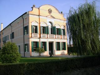 Nice Villa with Internet Access and A/C - Cadoneghe vacation rentals