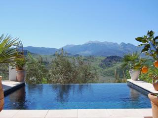 Cozy Montecorto vacation House with Internet Access - Montecorto vacation rentals