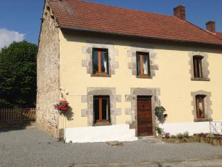 Meadow View Gîtes - Bluebell Cottage (4 Bedroom - Sleeps 10 plus baby) with pool - Janaillat vacation rentals