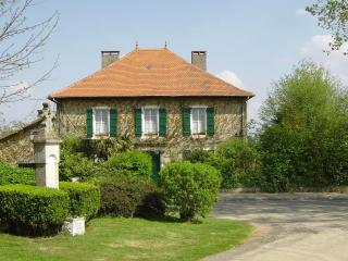 LE PRESBYTERE    Tranquility in Splendour. - Aire-sur-l'Adour vacation rentals