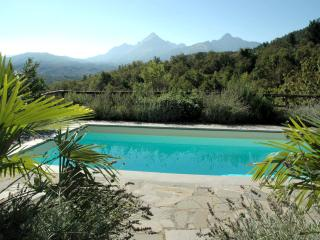 Villa in Tuscany with private pool and glorious mountain views, 5/6 bedrooms - Casola in Lunigiana vacation rentals