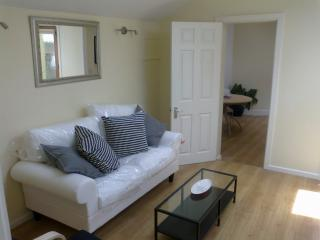 Dalkey  Bright Modern 1 Bedroom Apartment - Dalkey vacation rentals