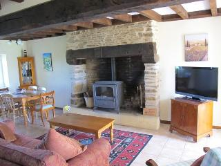 2 bedroom Gite with Internet Access in Thiviers - Thiviers vacation rentals