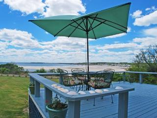 BLUEBERRY HILL BEACH COTTAGE - Town of Cape Elizabeth - Portland and Casco Bay vacation rentals