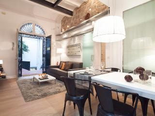 RAMBLAS & CATHEDRAL APARTMENT - Barcelona vacation rentals