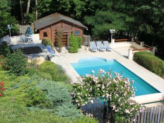 3 bedroom House with Satellite Or Cable TV in Dordogne Region - Dordogne Region vacation rentals