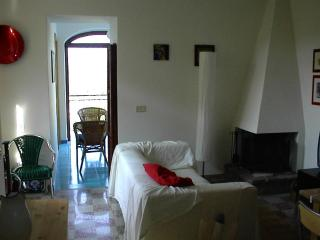 Bright 3 bedroom Montecorice House with A/C - Montecorice vacation rentals
