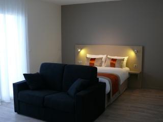 1 bedroom Resort with Internet Access in Blanquefort - Blanquefort vacation rentals