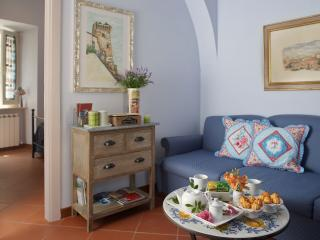 """ Il Cortile di San Rufino "" dolce Suite - Assisi vacation rentals"
