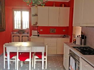 4 bedroom Villa with Short Breaks Allowed in Laglio - Laglio vacation rentals