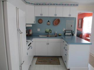 Nice 2 bedroom Cottage in North Adams - North Adams vacation rentals