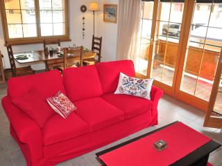 Bright Condo with Internet Access and Dishwasher - Lauterbrunnen vacation rentals