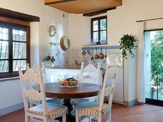Villa della Torre - Giardino - Lucardo vacation rentals