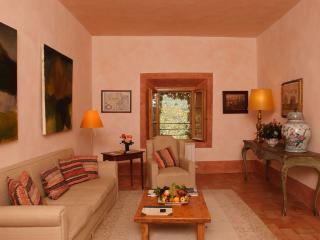 Nice Condo with Dishwasher and Shared Outdoor Pool - Chianciano Terme vacation rentals